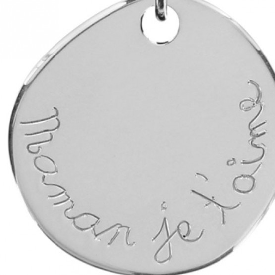 "Engraved Pebble Stone Pendant in Silver ""Mum I love you"""