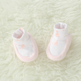 Girl birth booties - Sophie la Girafe®