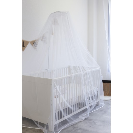 Bed canopy with arrow